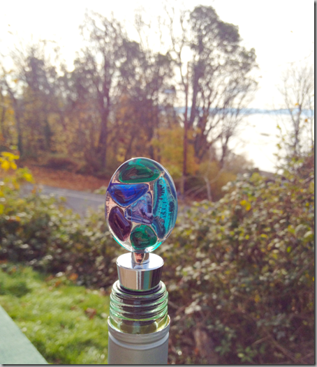 Seaglass-stopper-in-bottle-2