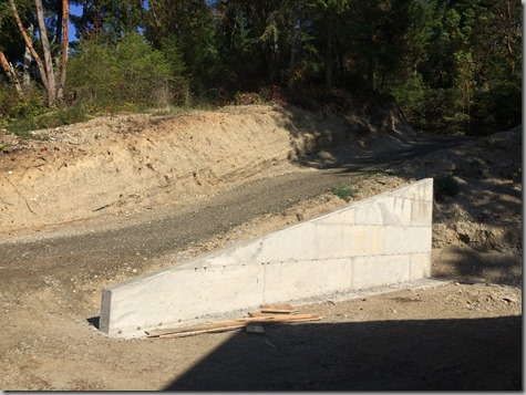 Lower Retaining Wall 9-28-15
