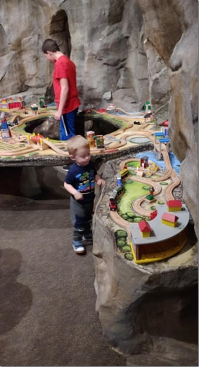 Everett Children's Museum Has TRAINS 12-27-19